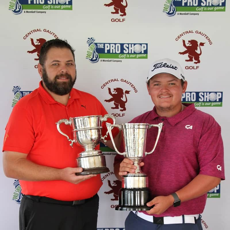 The Pho Shop Northern Amateur Stroke Play Championship winner Louis Albertse with Central Gauteng Open Golf Manager Jaco du Plessis; credit GolfRSA.
