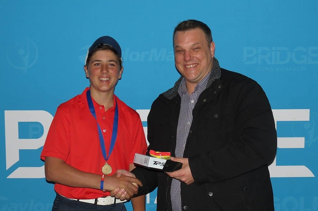 Bridge Fund Managers Junior Series Boschenmeer Under-19 champion Louis Loubser Jnr with Bridge Fund Managers representative Jaco Brand; credit Doug Carew / Splash PR