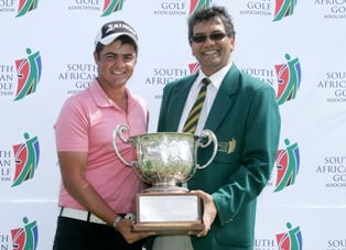 Dean O'Riley receiving SA Stroke Play Trophy from Enver Hassen (SAGA President)