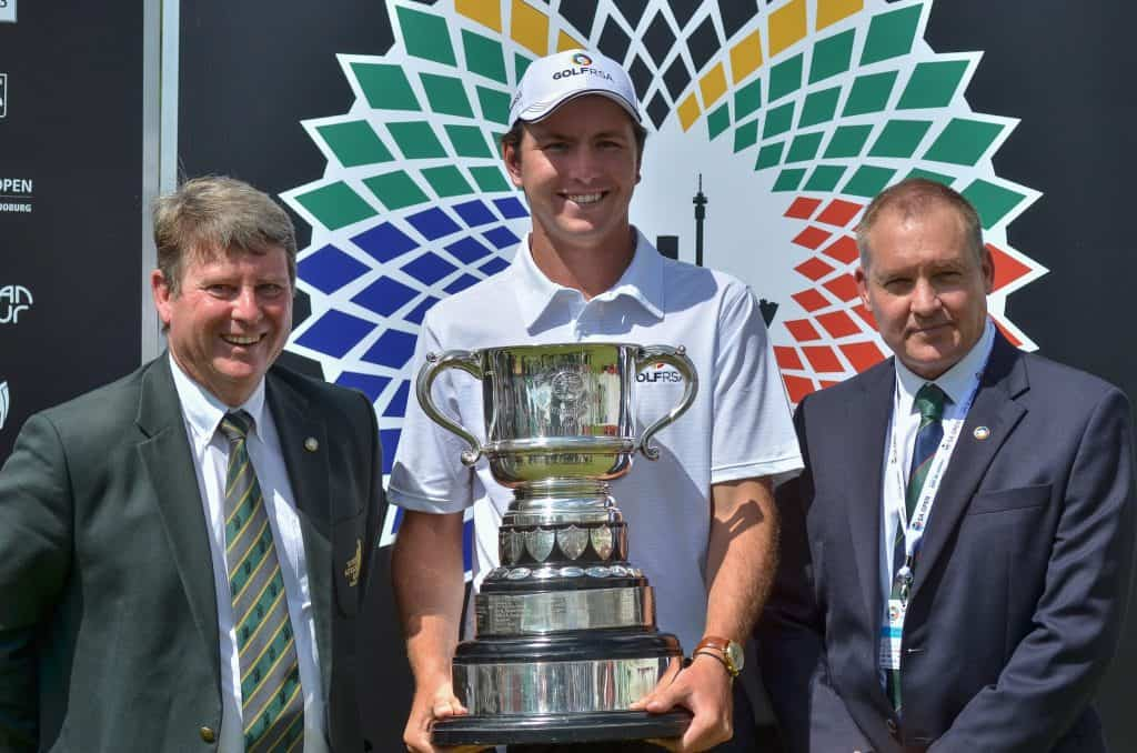 2019 Freddie Tait Cup winner Jovan Rebula with SAGA President Geoff Taylor (left) and GolfRSA CEO Grant Hepburn at the SA Open, hosted by the City of Joburg at Randpark Golf Club; credit Ernest Blignault.